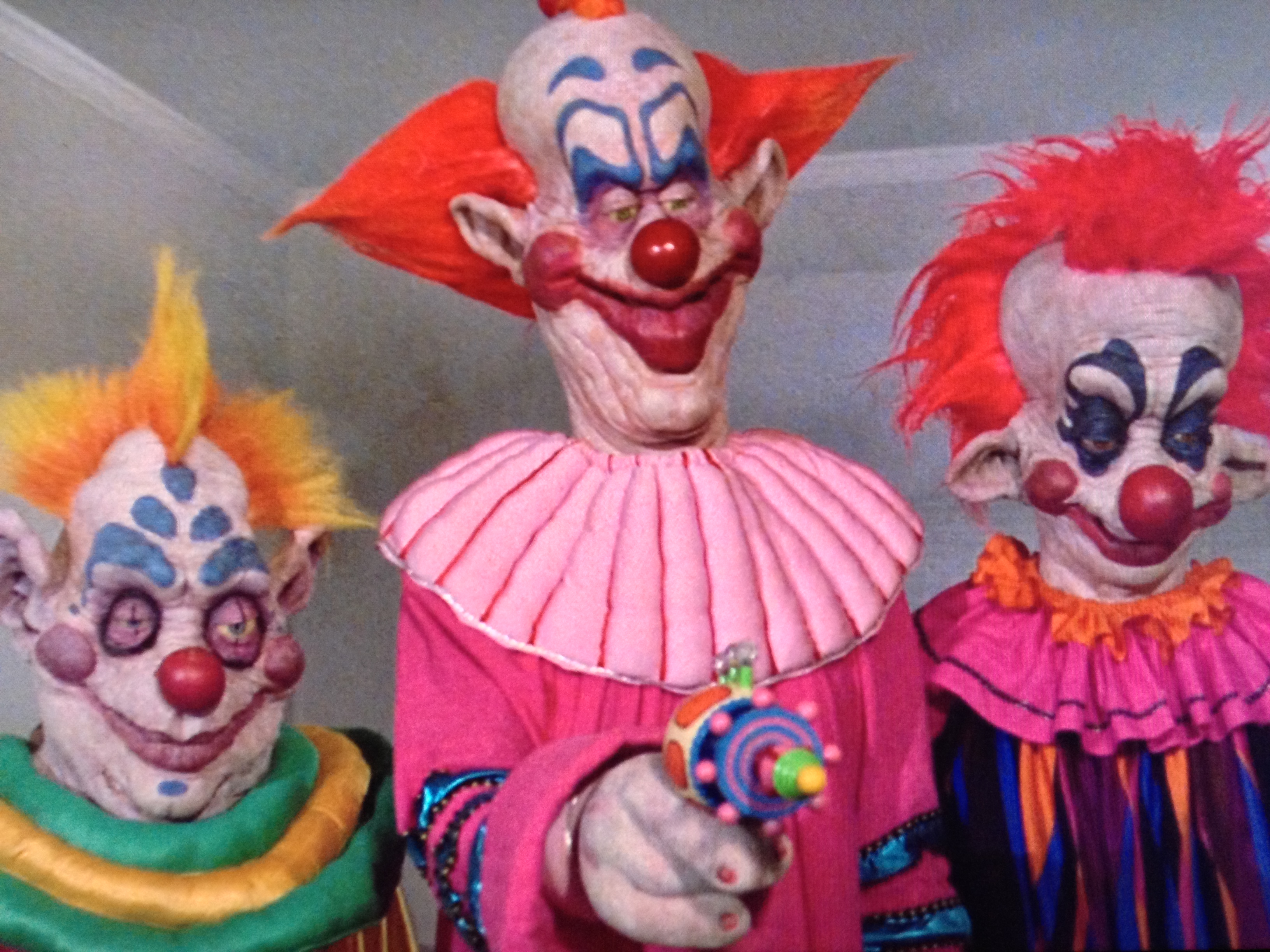 Pin killer klowns from outer space directed by stephen for Return of the killer klowns from outer space